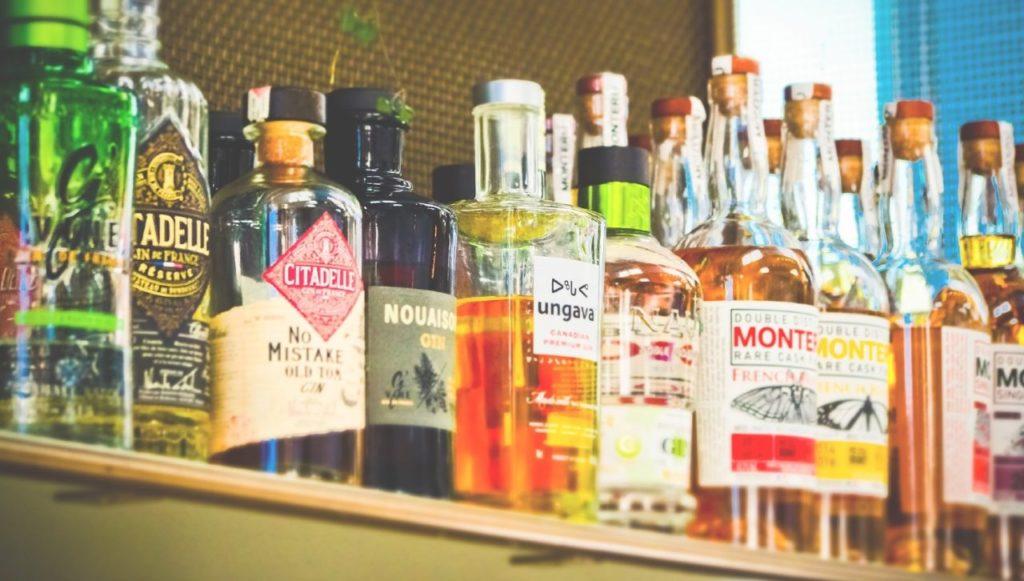 продажу крепкого алкоголя ограничат